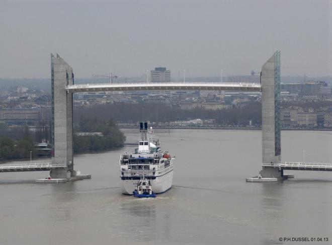 Astor-01-04-2013- Passage sous le Pont Chaban Delmas